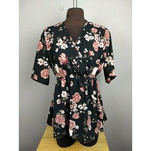 Tops - Floral top size XXL